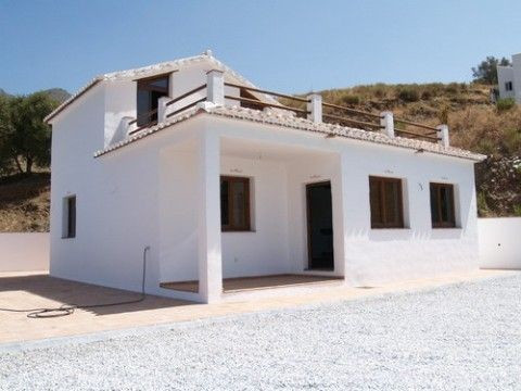Superb country home, new built, rustic style, lounge with log fire, pool 8,5x4, double glazing, \n~4,Spain