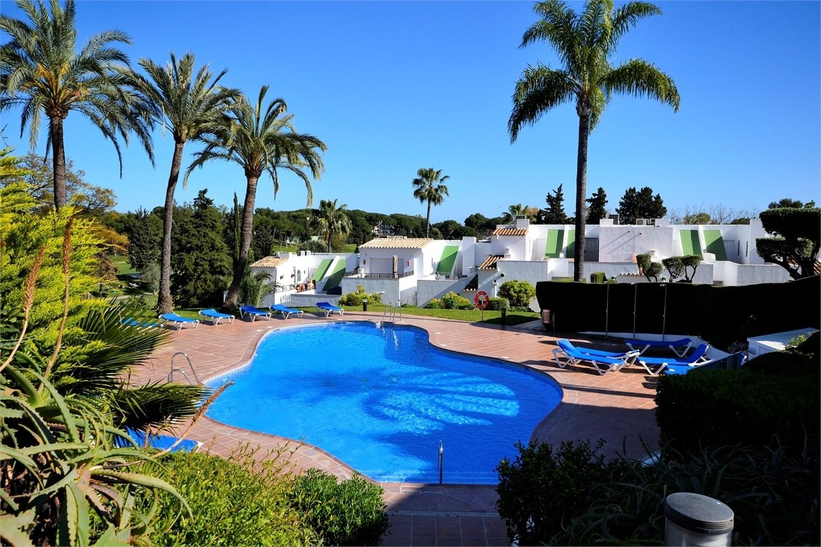 A large townhouse in an elevated position in a well-established gated community in the heart of Aloh,Spain