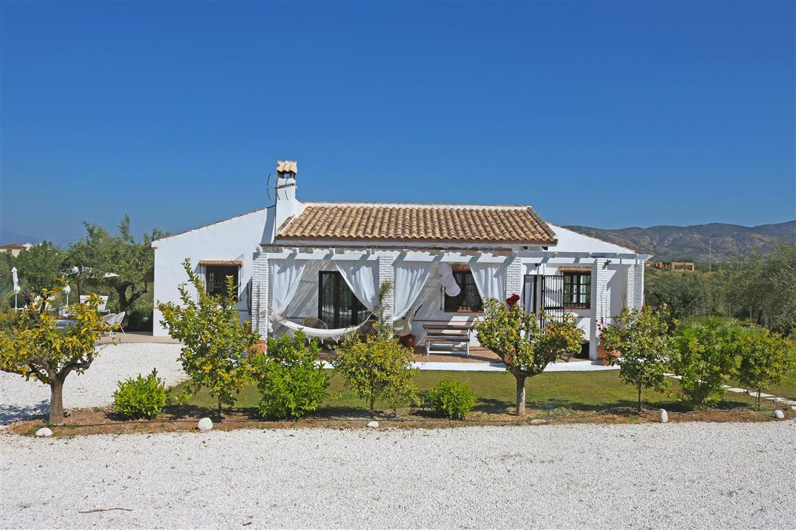 A beautiful country property which has recently been renovated to a high standard. The property bene,Spain