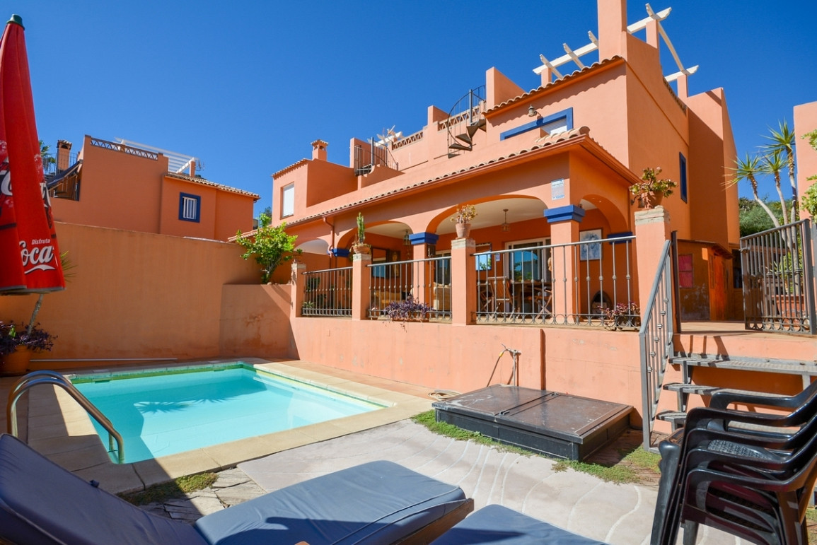 Nice Townhouse in Fuengirola Castle area with private pool and just 5 minutes walk to the beach..  I, Spain