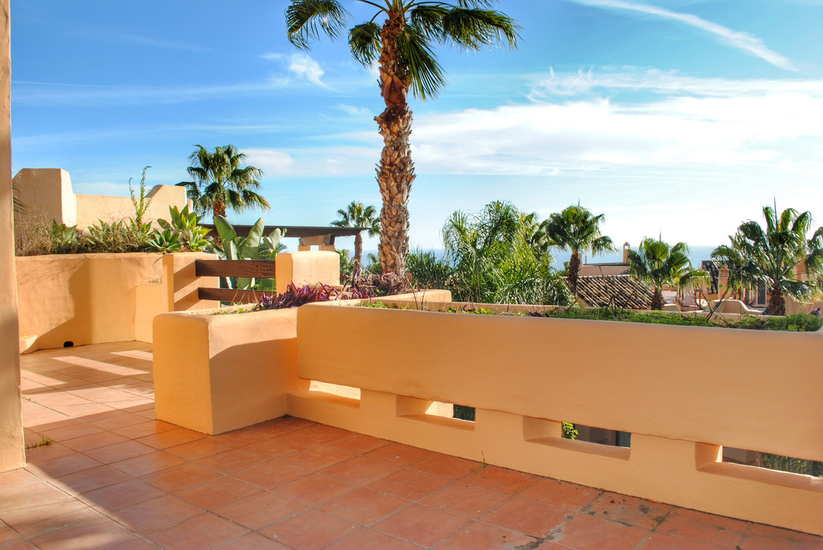 PENTHOUSE 3 ROOMS FOR SALE IN MANSION CLUB, MARBELLA GOLDEN MILE  Penthouse located in privileged po,Spain