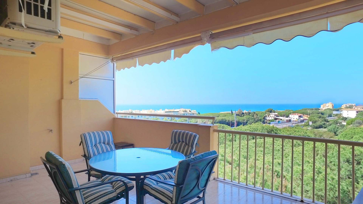 2 bedrooms, 1 bathroom Penthouse for sale in Calahonda Royal. Spacious and bright apartment with mag, Spain