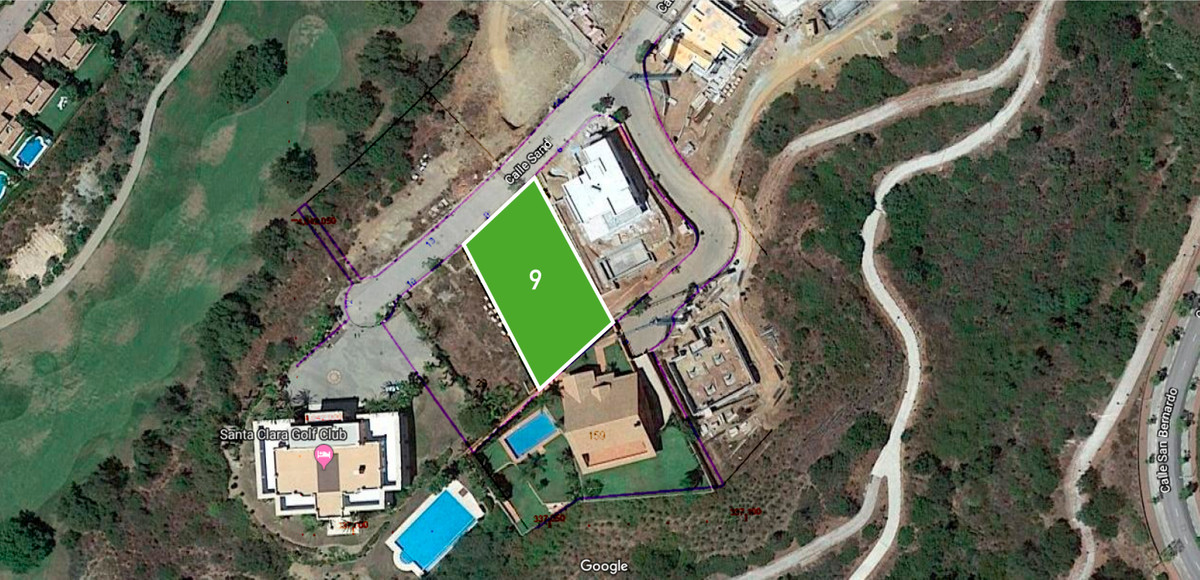 Great plot front line golf of santa clara next to the club house. Maximum buildable surface 414m2,Spain