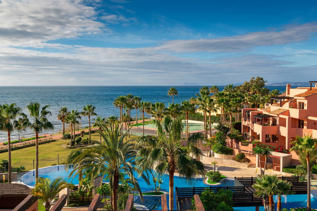 Penthouse, New Golden Mile, Costa del Sol. 3 Bedrooms, 3 Bathrooms, Built 170 m², Terrace 180 m².  S, Spain