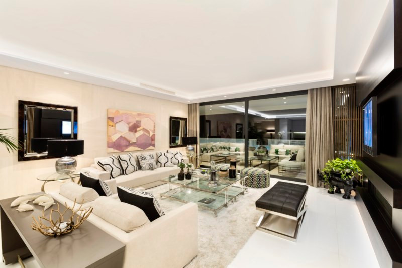 Cutting edge designer apartment, luxurious fixtures and fittings throughout. This unique Duplex grouSpain