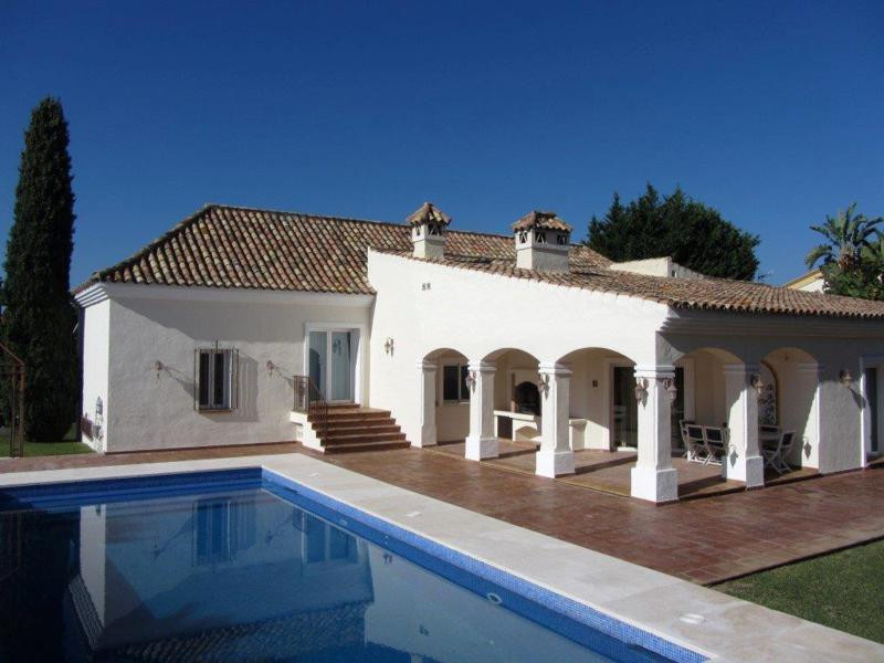 NICE RUSTIC STYLE VILLA BUILT ON ONE LEVEL SET ON A HUGE PLOT IN BEL AIR. JUST 1KM TO SUPERMARKETS, , Spain