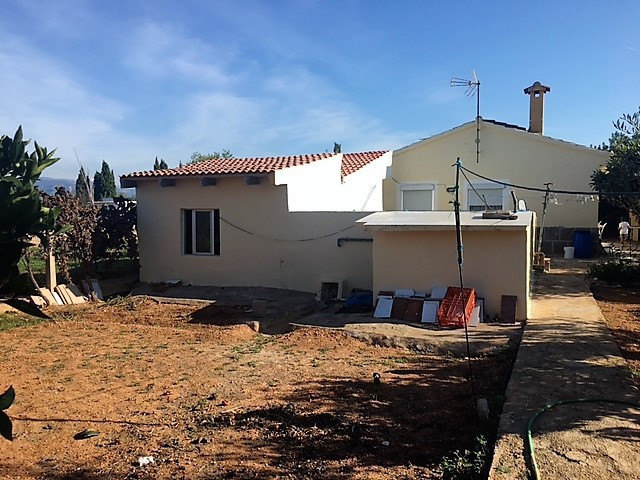 CHALET IN SON ATMETLER, CONSTUDED 150 M2 IN LAND OF 1070 M2 HAS 3 BEDROOMS, BATH, TOILET, AND THREE ,Spain