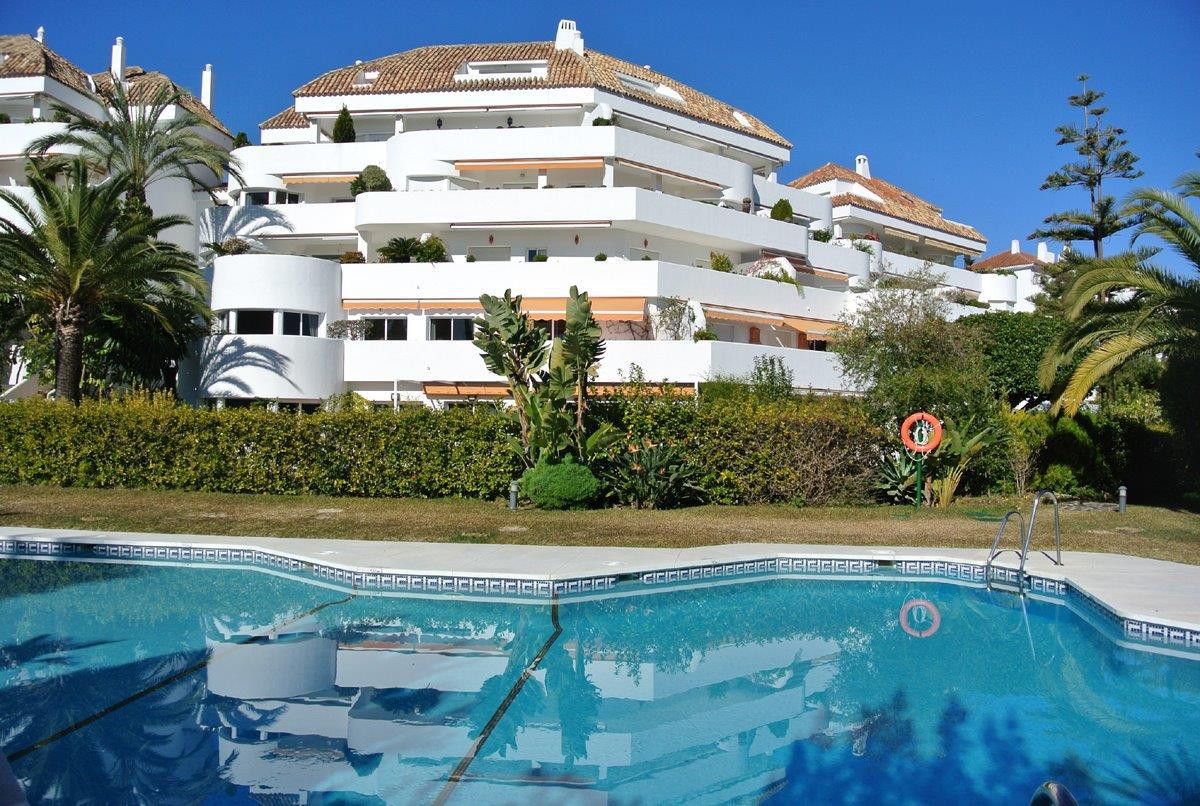 This great property is located in one of the most prestigious urbanizations in the Golden Mile, with, Spain