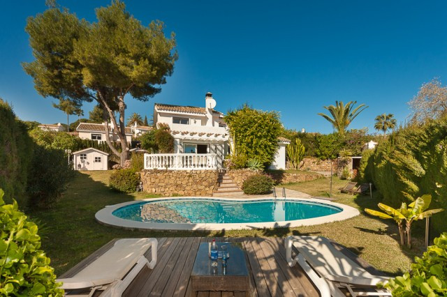 Originally listed for € 569.000 recently reduced to €475.000, this cozy villa is set on a corner plo, Spain