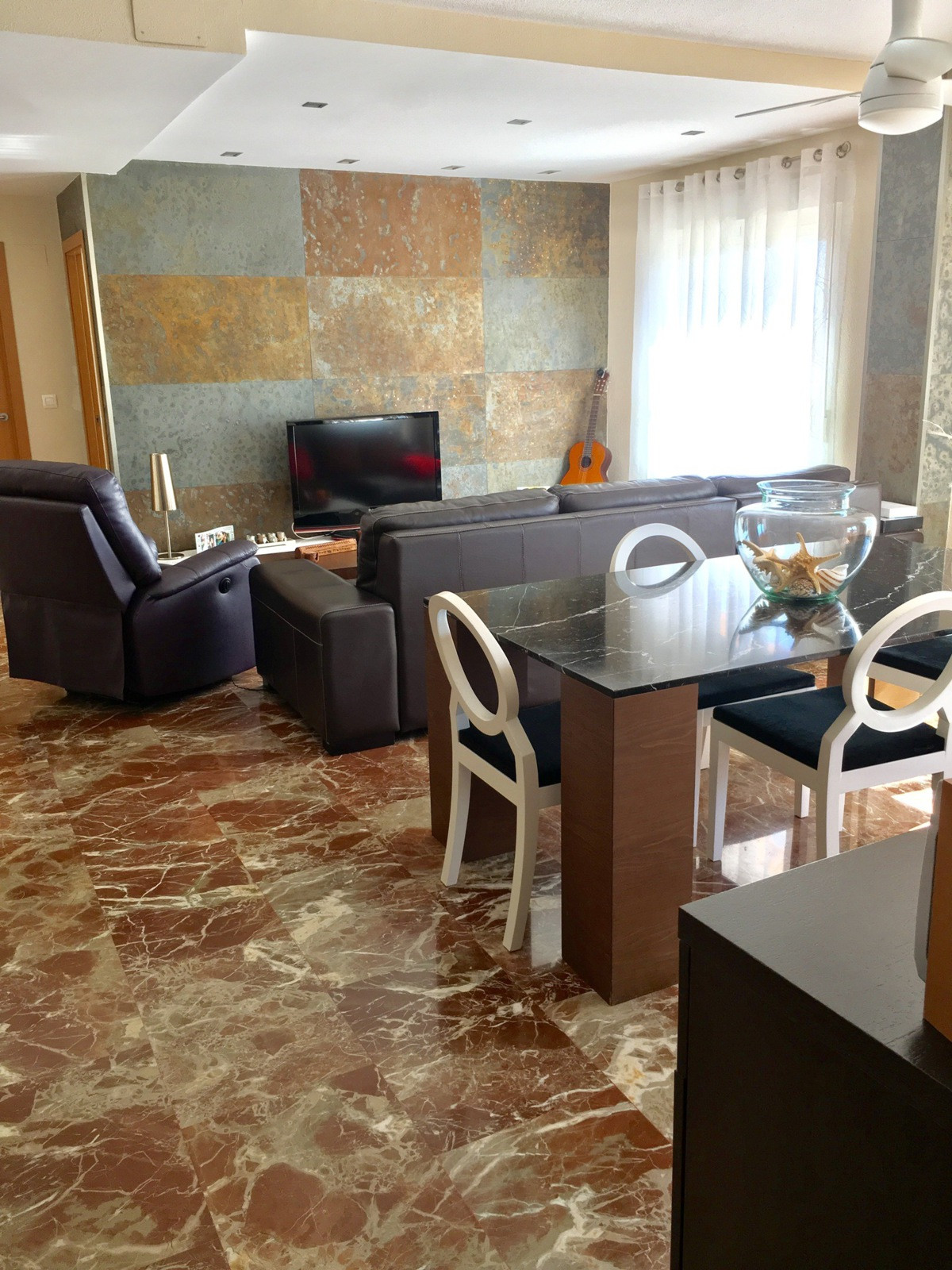 Magnificent two bedroom apartment with parking space and store, just 15 minutes walk from the beauti,Spain