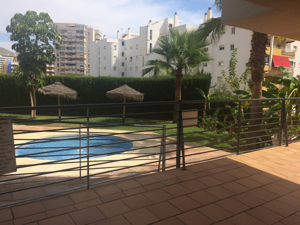 .Great  property just a few minutes walk to the beach of Torreblanca. Lovely apartment with 3 bedroo, Spain