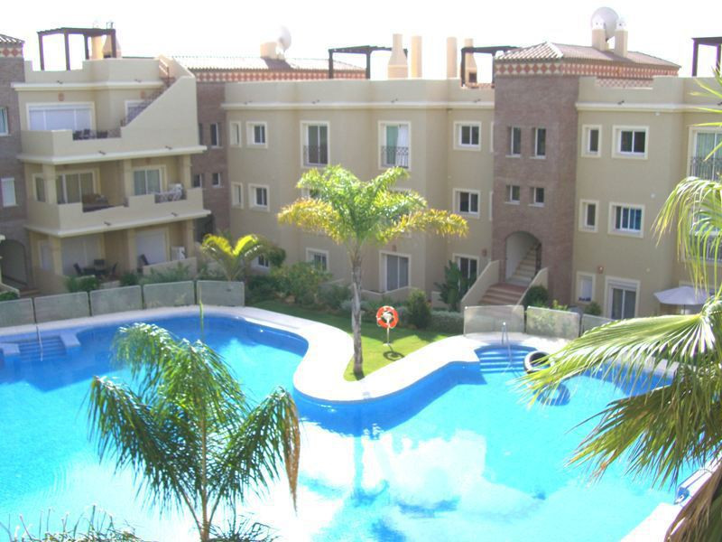 Three bedroom, two bathroom first floor apartment in popular residential complex close to Los Flamin, Spain