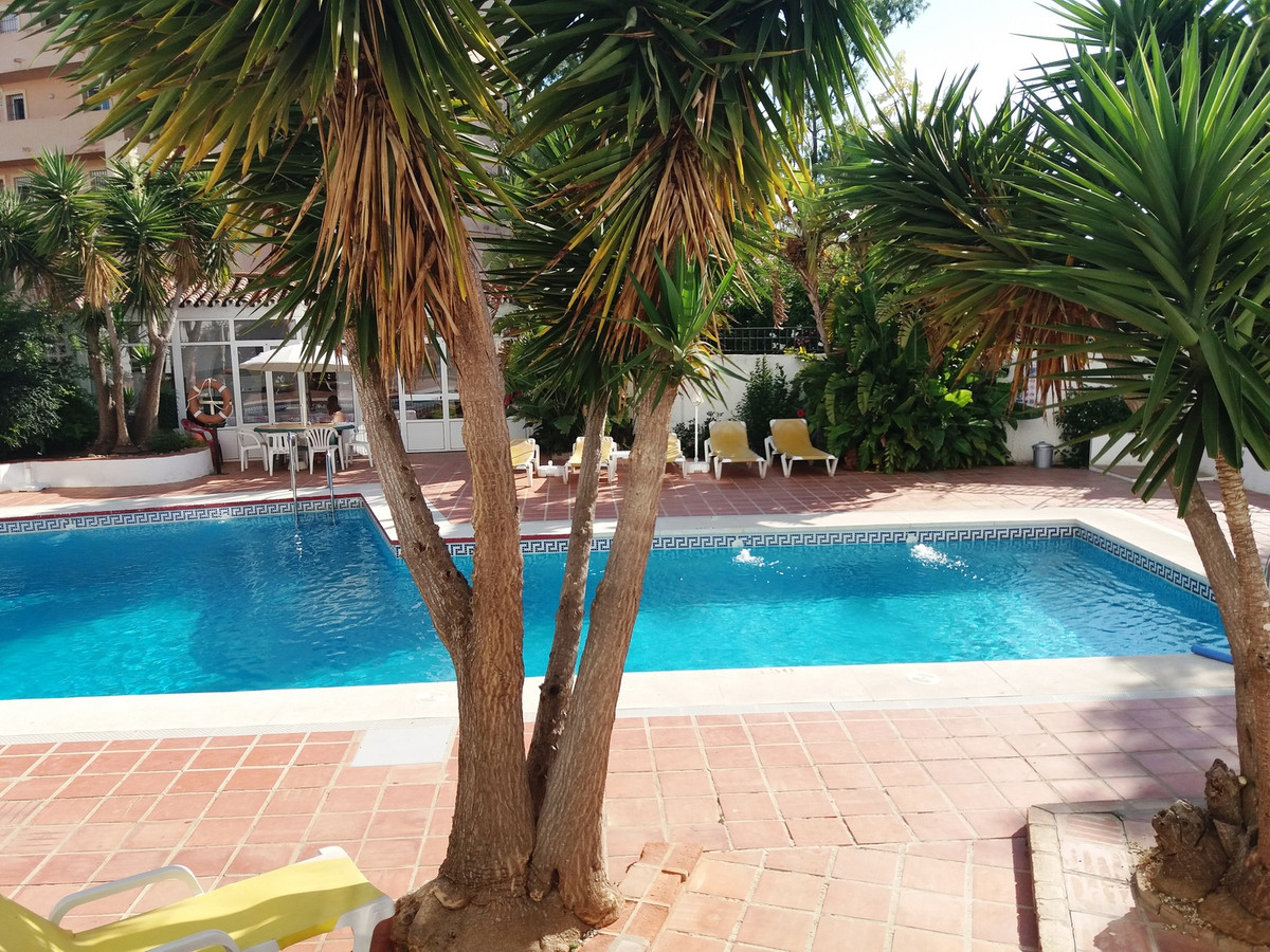 Nice studio, in Benalmadena Coast 5 minutes from the beach walking. It has a separate bedroom with o,Spain