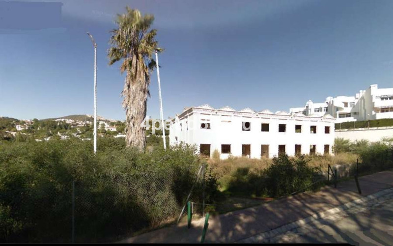 Located in the heart of Calahonda is this 4,010m2 plot with an unfinished building destined as a Soc, Spain