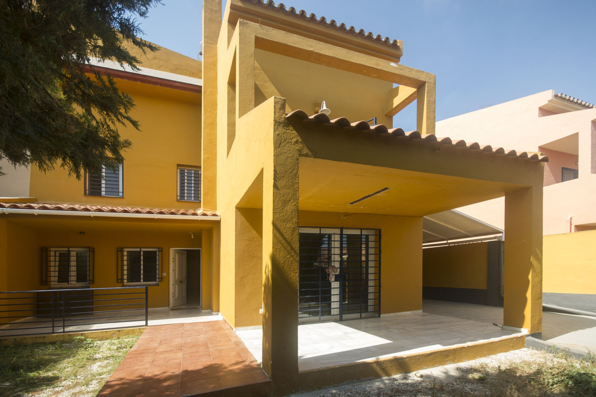 Substantial extended semi-detached villa located in the ever popular Guadalmar suberb of Malaga clos, Spain