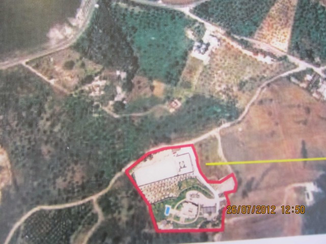 Nice finca situated on the surrounding of Urique, Coin. With a huge plot, enjoys total privacy. The , Spain
