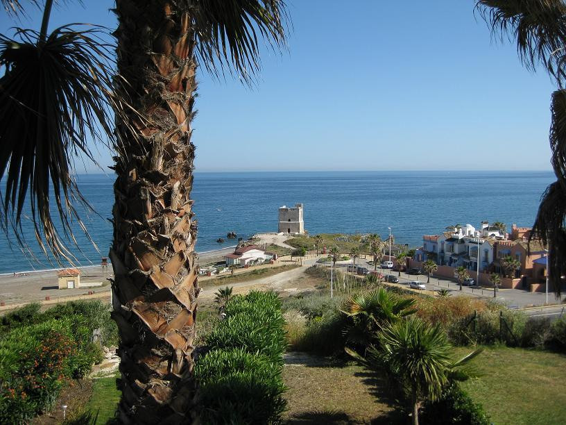 An exclusive 3 bedroom townhouse situated in a beautiful cliff top complex with great views all the ,Spain
