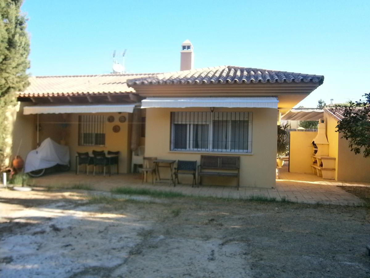 Chalet independiente, en valle del Guadalhorce. Parcela de 320m2 con posibilidad de hacer piscina pr,Spain