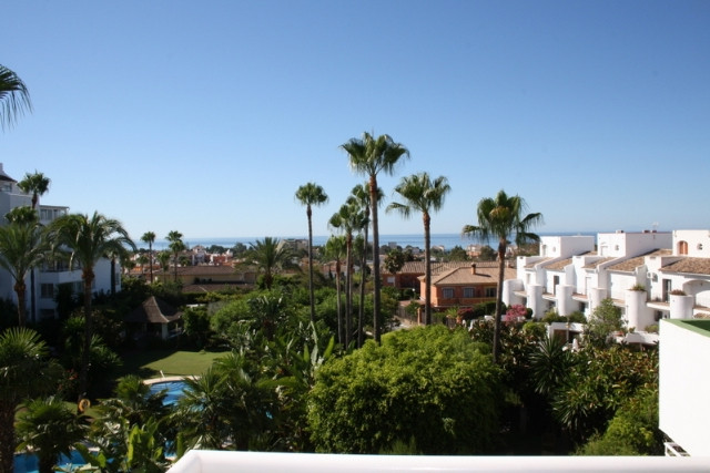 Very nice 3rd floor apartment with views towards the lovely pool and gardens and further out to the , Spain