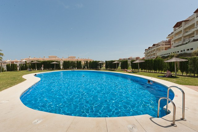 Originally listed for 155.000€ and recently reduced to 122.000€. A superb, 2 bedroom ground floor ap,Spain