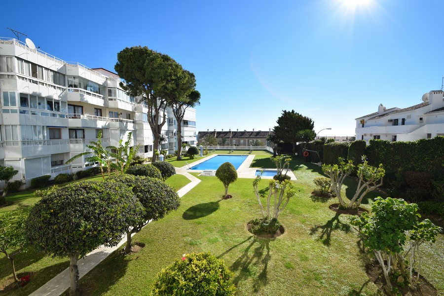 """Excellent location, Santa Ana beach, with all services at hand and very close to Puerto Marina, Spain"