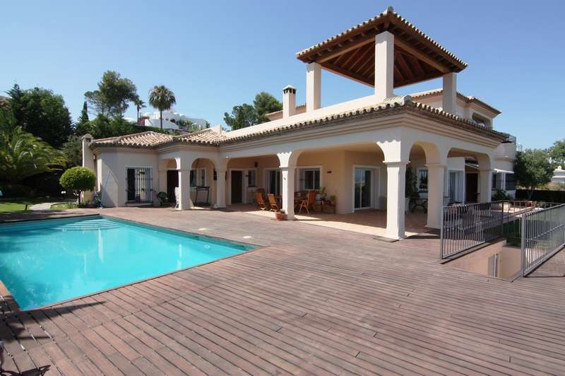 Villa with panoramic sea views, south orientation, quiet area close to golf and all services. Villa , Spain