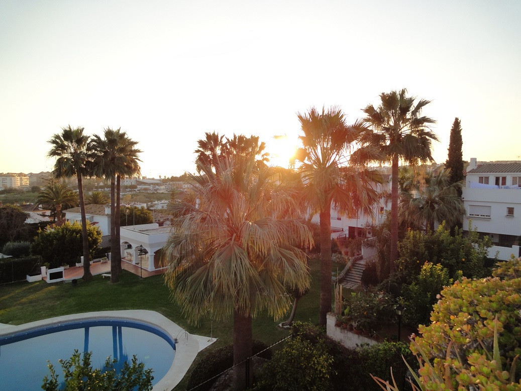 Townhouse in the zone of Don Miguel , Marbella what exisits out of 4 bedrooms, 2 bathrooms and a gueSpain