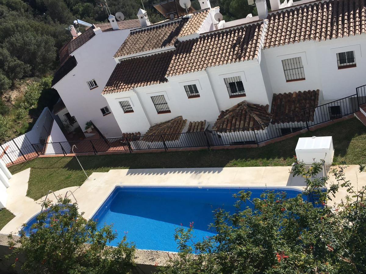 Nice and comfortable townhouse in the highest corner of urbanization of 24 Houses. In a quiet area w, Spain