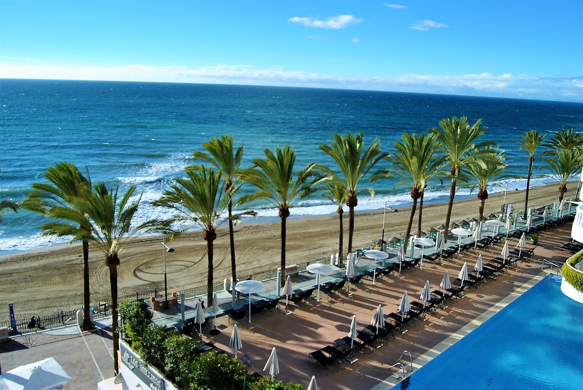Beautiful studio apartment on the first line of the beach of Marbella with views of the Mediterranea, Spain