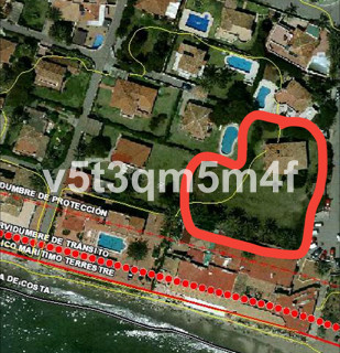 Excellent plot is for a villa or two. The restaurant that is in front of the plot and there is agree,Spain