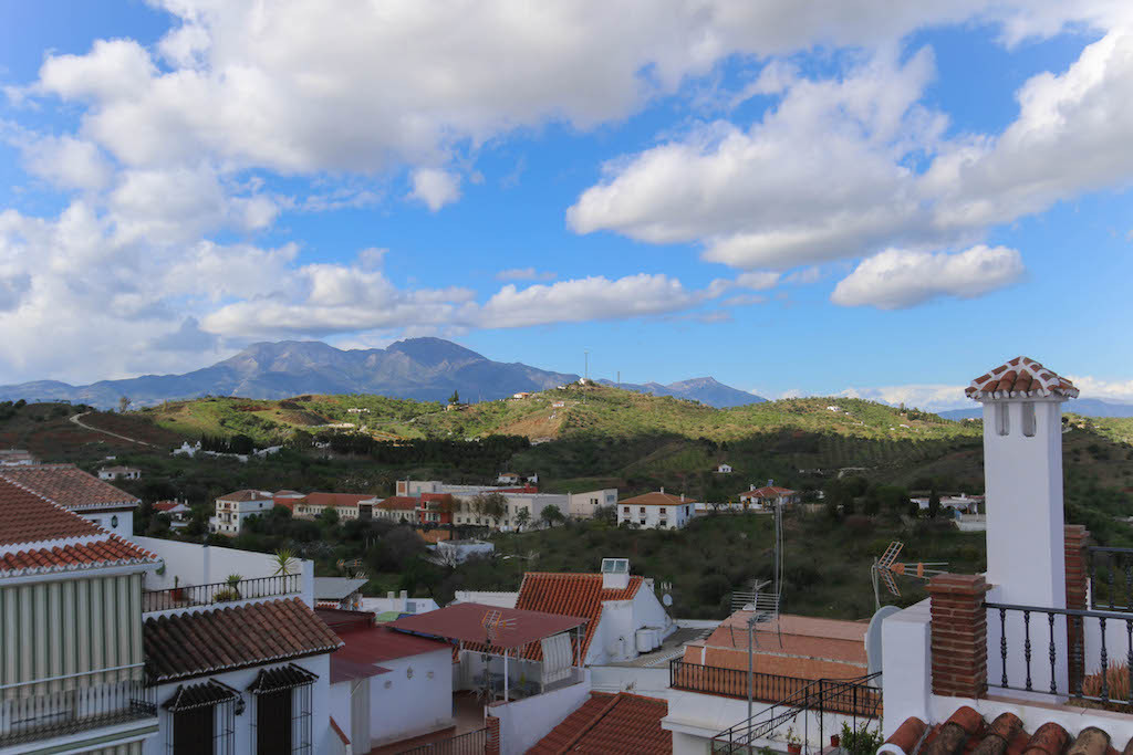 Neslte yourself in a typically Spanish environment.   Located in the heart of the village, this thre, Spain