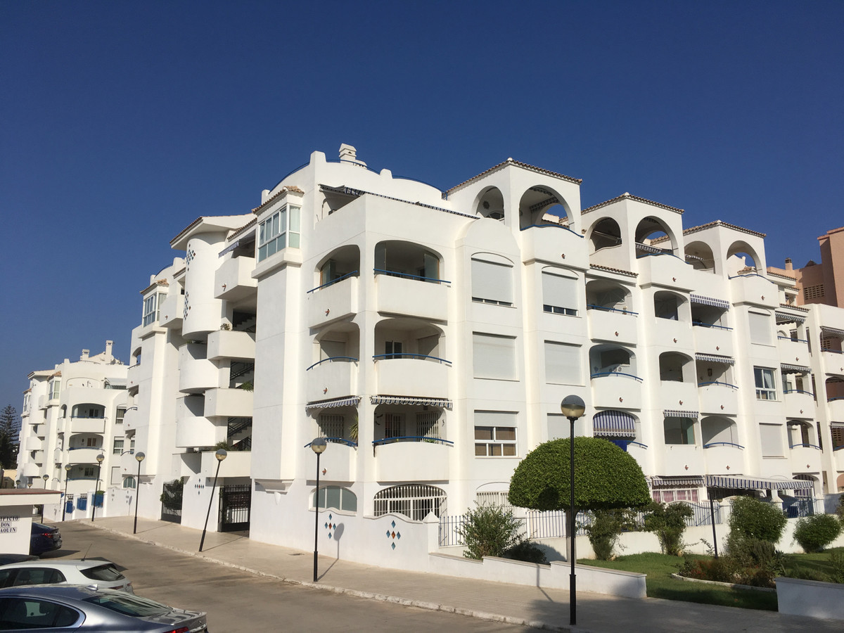 Superb and very comfortable apartment in recent construction with first class finishes, central air , Spain
