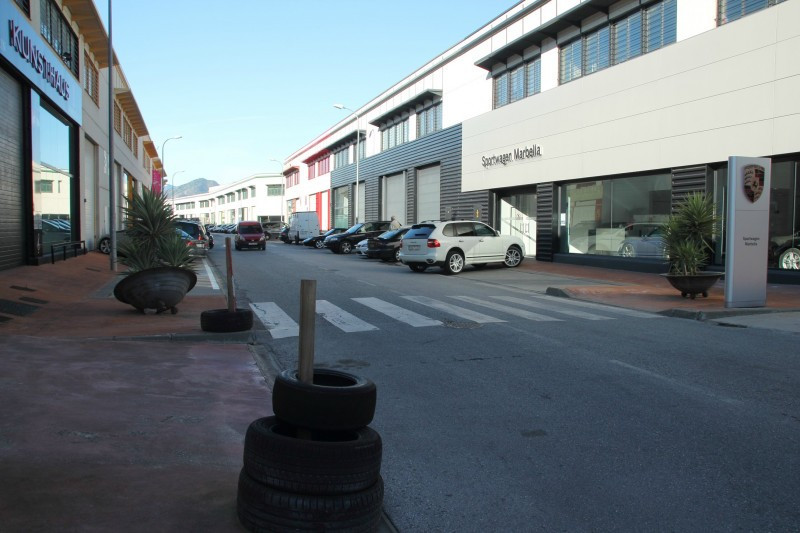 Industrial & commercial unit for sale in the industrial centre of Nueva Campana, opposite Puerto, Spain