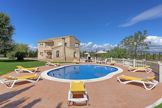 It is with great pleasure we are able to offer this smart and impressive Andaluz residence, which coSpain