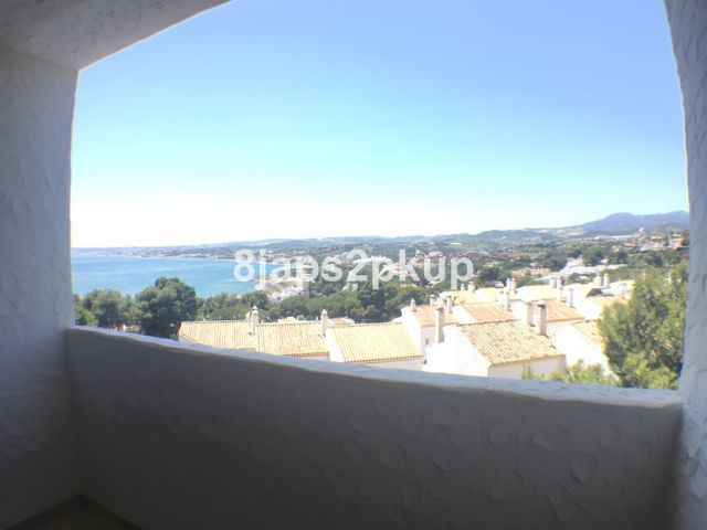 EXCELLENT PROPERTY FOR SALE WALKING DISTANCE CRISTO BEACH!!!!!! THE BEST VIEWS OF ESTEPONA WEST, IS ,Spain