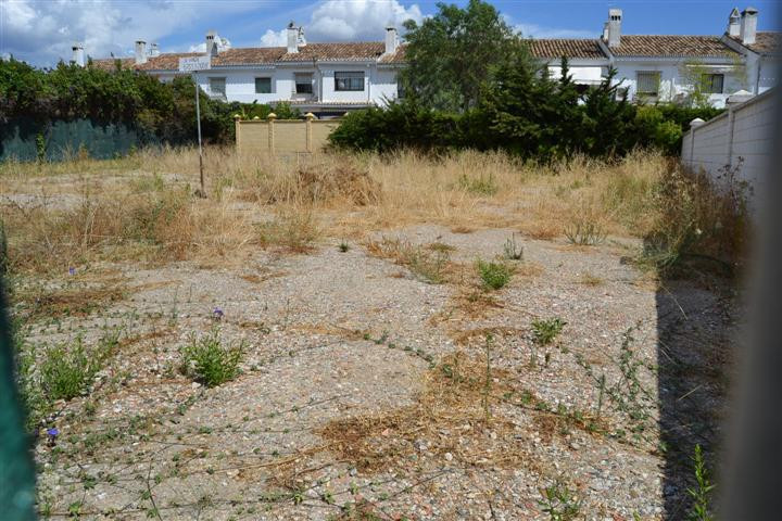 A superb opportunity to acquire a parcel of land in San Pedro Alcantara beachside. Moments from the ,Spain