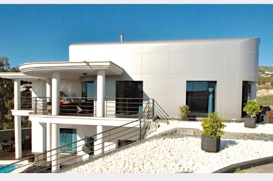 ULTRA MODERN VILLA REDUCED FROM €795.000 TO €745.000 - BACK ON THE MARKET AFTER A LONG TERM RENTAL  ,Spain