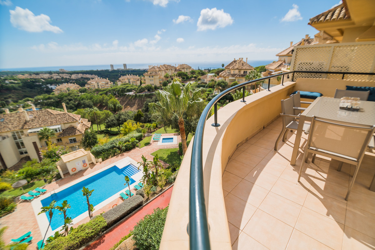 Elviria Hills Marbella, sea view corner apartment luxury. 2 x terraces. 143 m2. In this very private, Spain