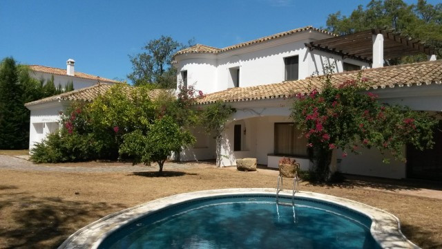 Very large villa in the prestigious San Roque Club estate, with easy access to all the facilities (J,Spain