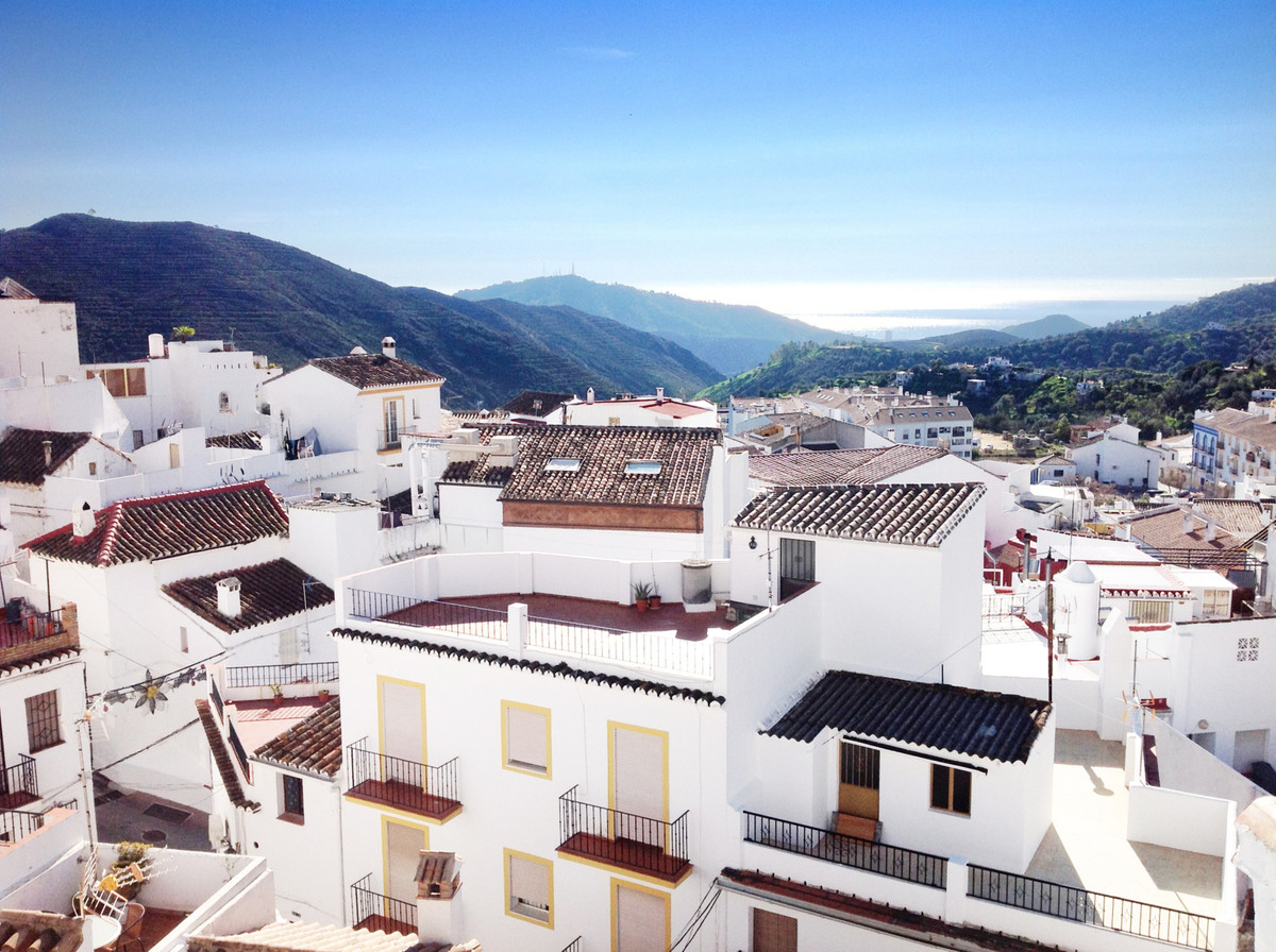 Casa Alta is a recently renovated old house flooded with light and full of character. The roof terra,Spain