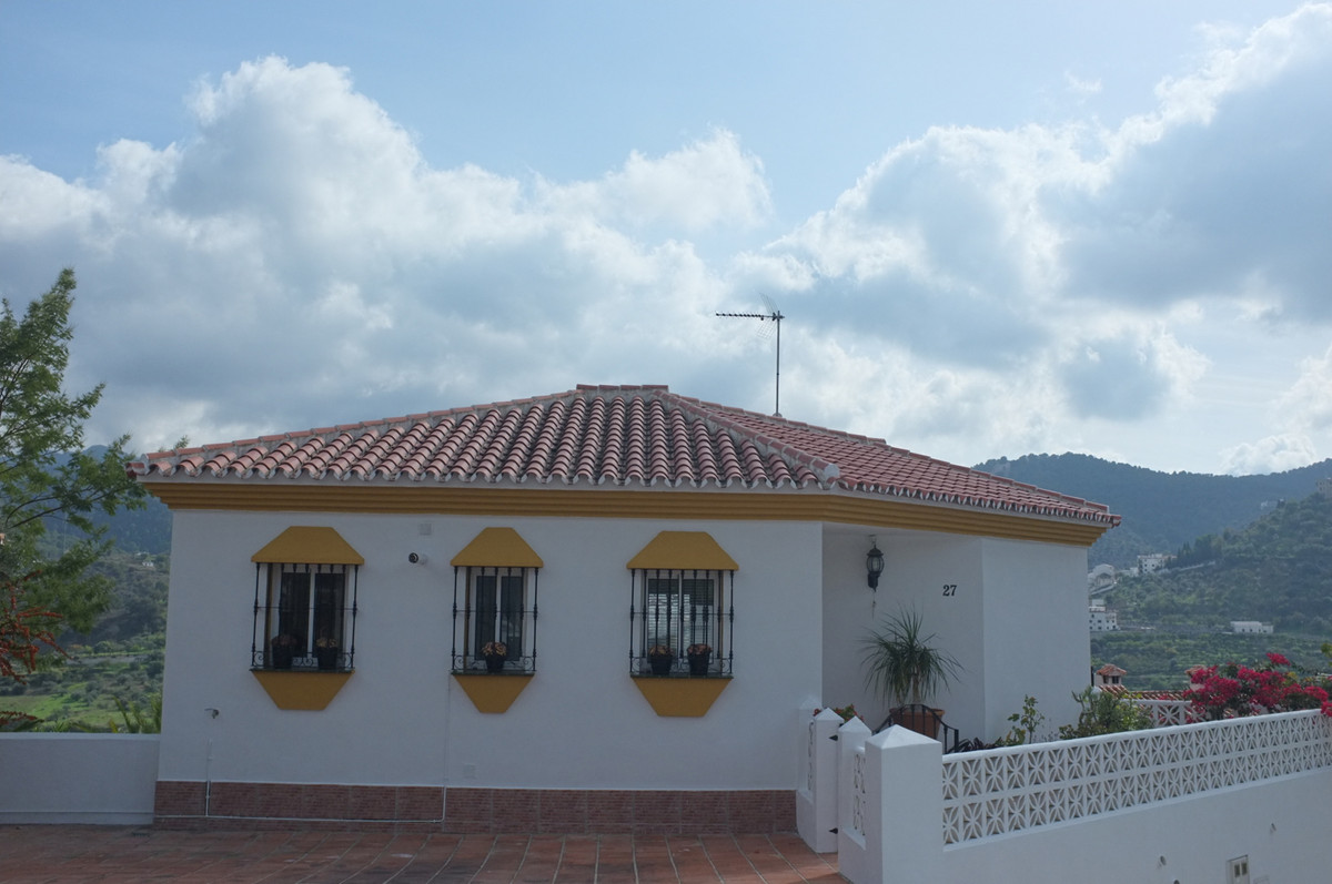 This little beautifulindependent and spacious 2-storey villa situated in a village of Monda, with w,Spain
