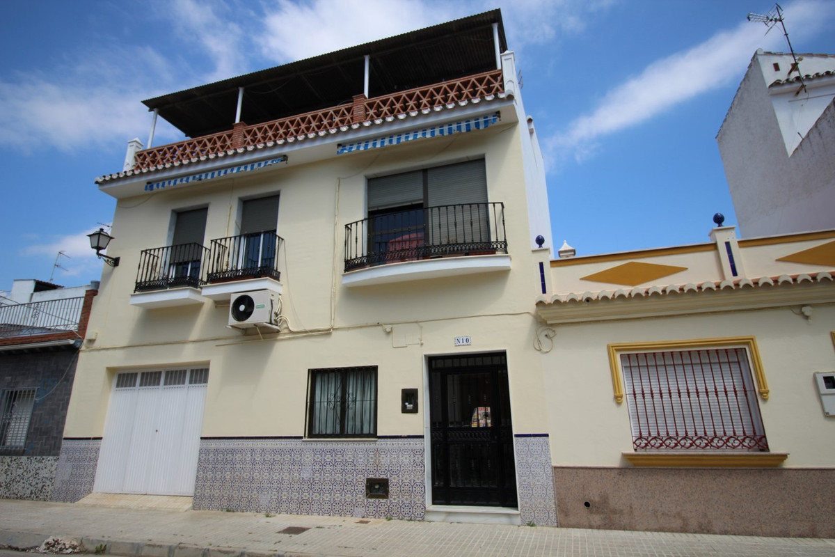 Fantastic House in the Centre of torre del mar in three floors, three bedrooms, two of them have bui,Spain