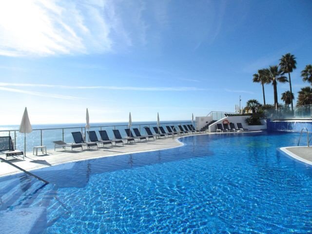 REDUCED FURTHER, MOTIVATED SELLER!  SECOND LINE PENTHOUSE WITH HUGE ROOF TERRACE ON A LUXURY BEACHFR, Spain
