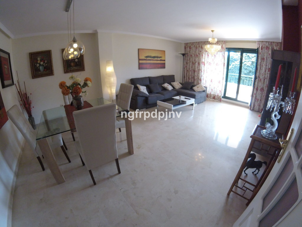 Middle Floor Apartment, Benalmadena Costa, Costa del Sol. 2 Bedrooms, 2 Bathrooms, Built 105 m², Ter, Spain