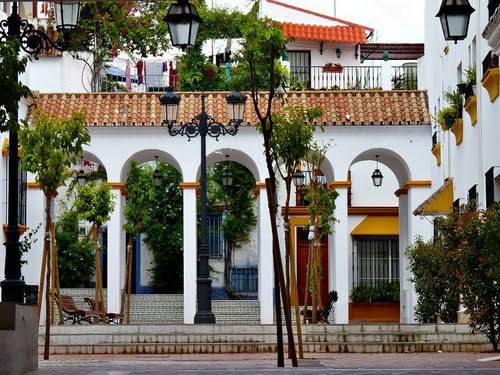 BUSINESS TRANSFER of tipical spanish food restaurant in privileged location in Marbella centre, just,Spain