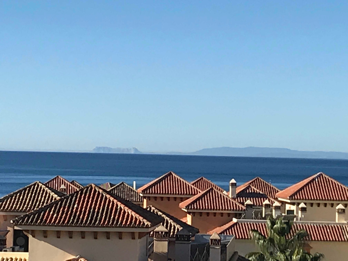 Sea View bright and airy deluxe penthouse located at the best development in Elviria Beachside. Awes,Spain