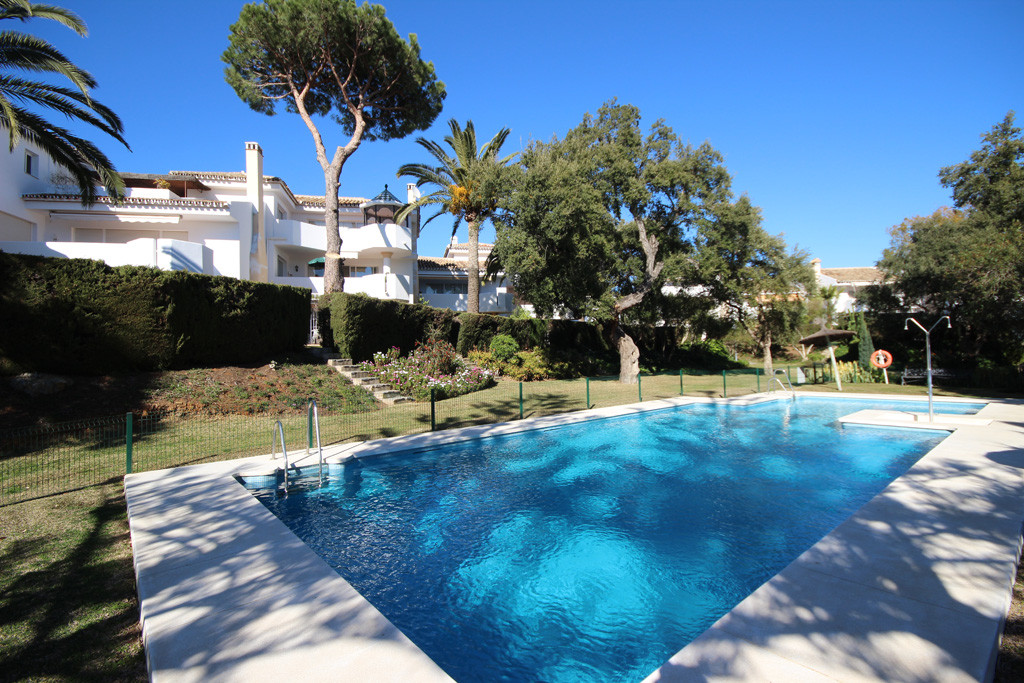 This large 3-bedroom and 2-bathroom penthouse apartment is a real opportunity due its unbeatable urb,Spain