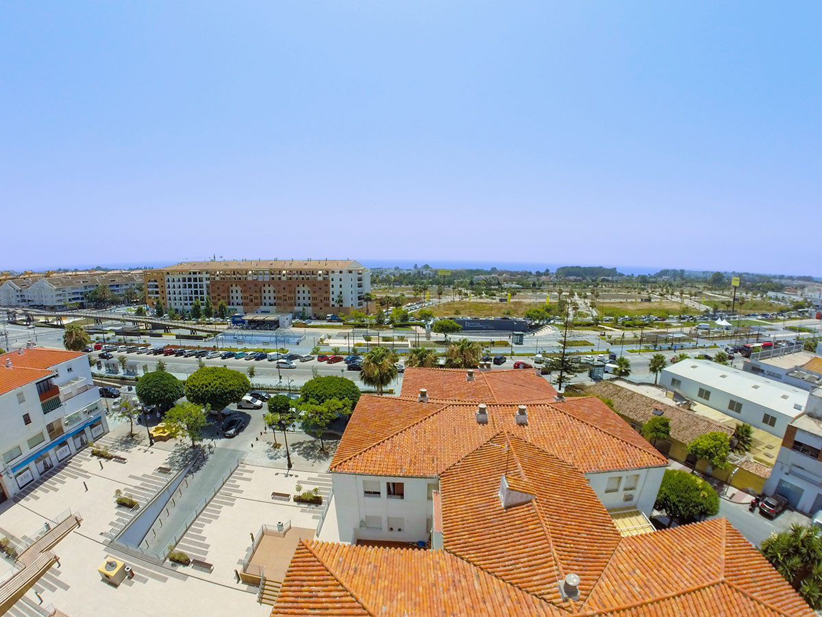 Spacious 3 bedroom apartment with sea views in San Pedro Alcantara, Marbella. Apartment completely r, Spain