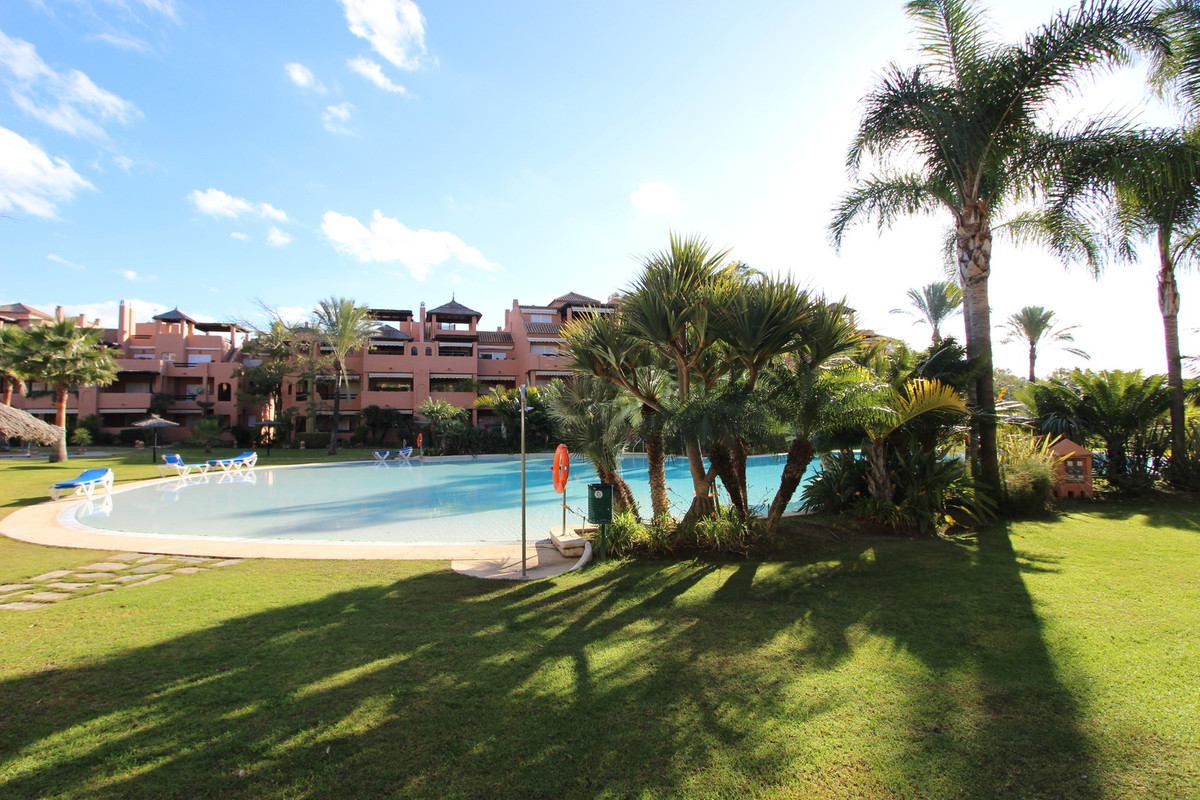 Middle Floor Apartment, Guadalmina Baja, Costa del Sol. 3 Bedrooms, 2 Bathrooms, Built 170 m&sup, Spain
