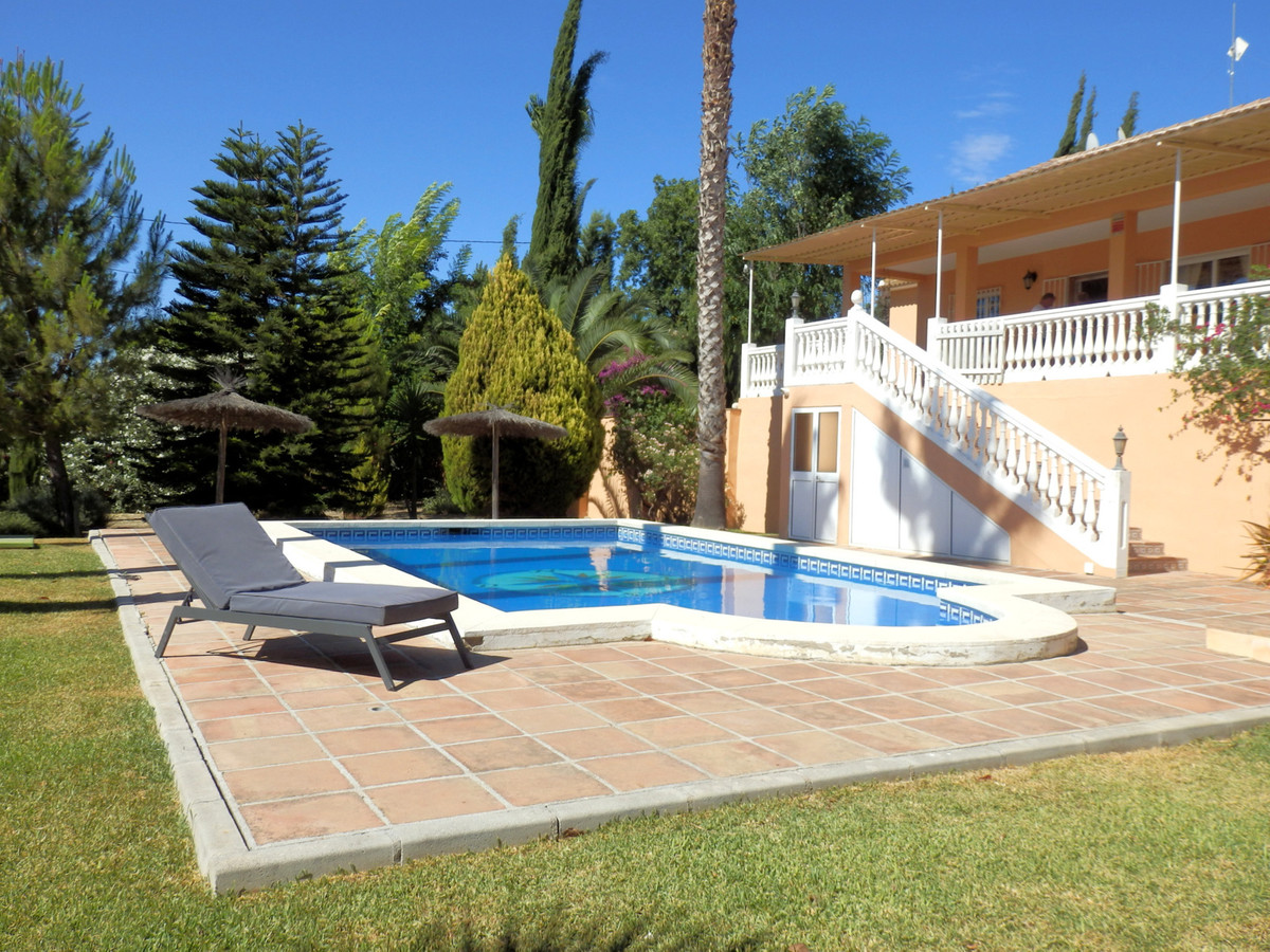Amazing Finca in Alhaurin El grande with 2 bedrooms, 2 bathrooms 1 en suite. This house has perfect , Spain